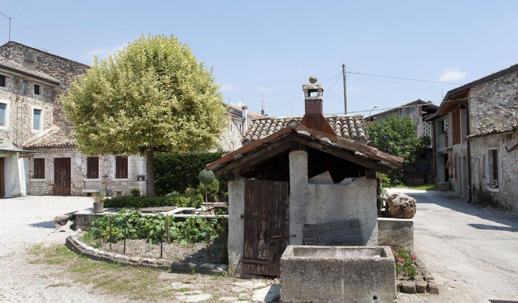 Mosnigo via Francia